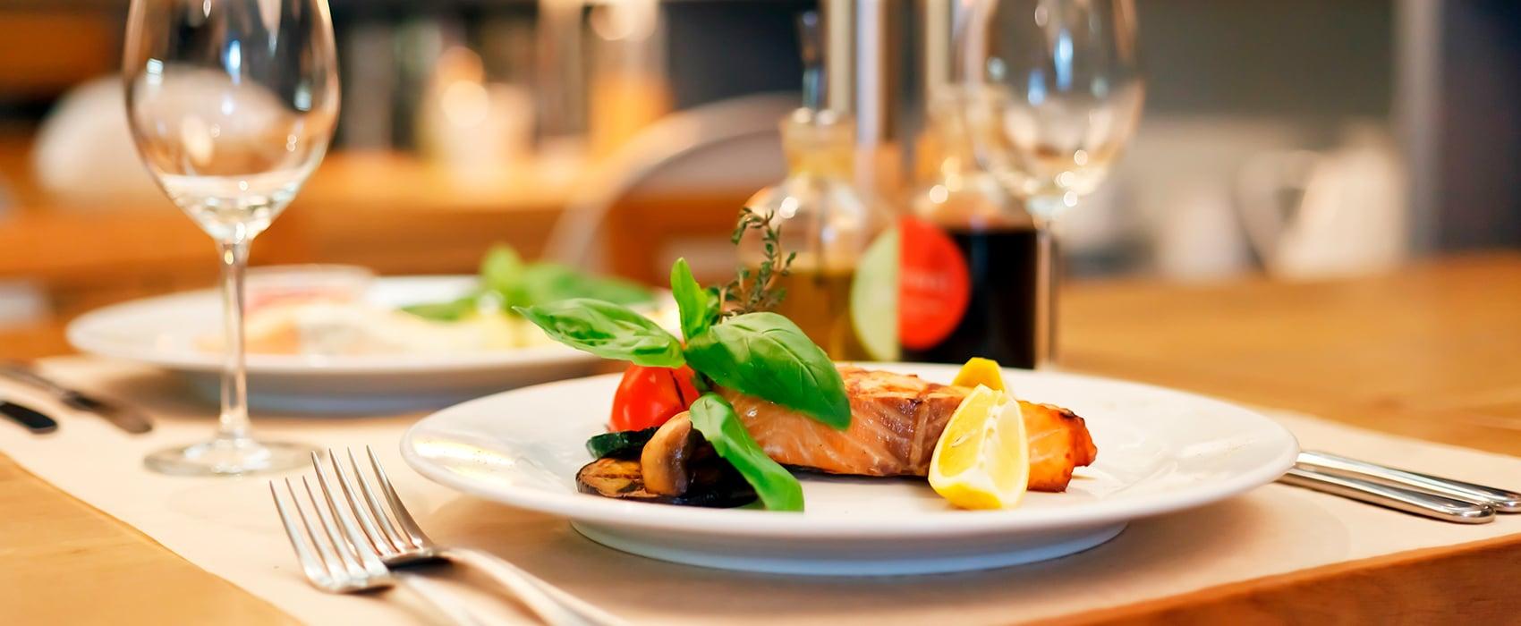 restaurants & bars desire cruises